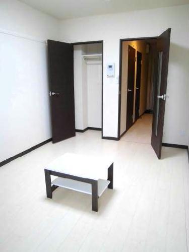クレイノTera 304号室のリビング