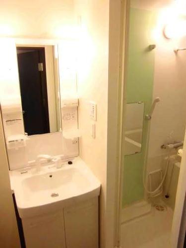 クレイノTera 304号室の洗面所