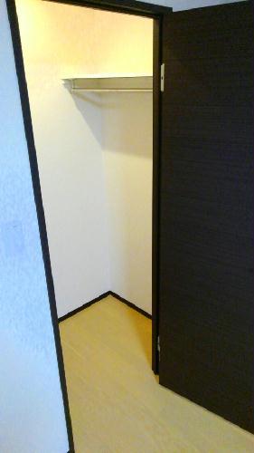 クレイノイヤサカ 102号室の収納