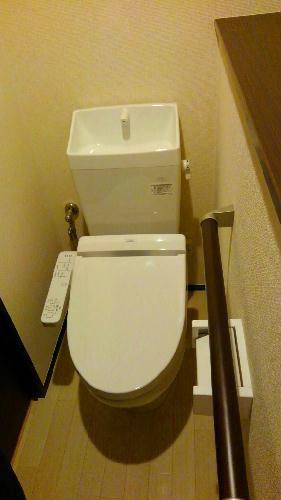 クレイノイヤサカ 102号室のトイレ