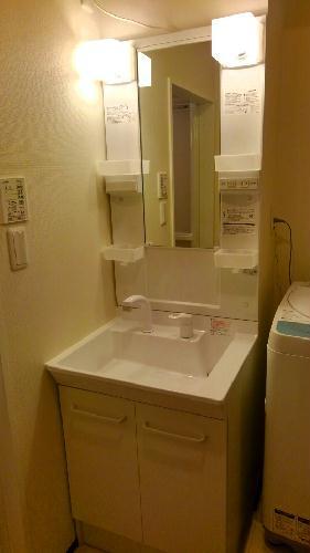 クレイノイヤサカ 103号室の洗面所