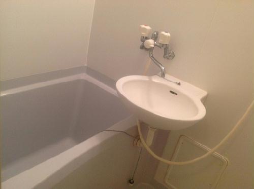レオパレスハピネス 204号室の風呂