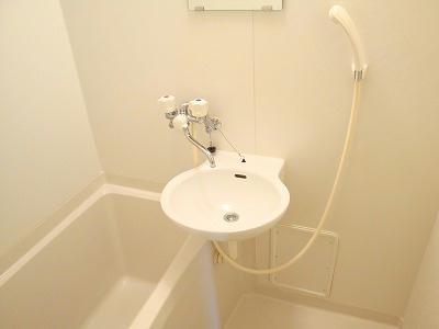 レオパレスアメニティハイツ 107号室の風呂