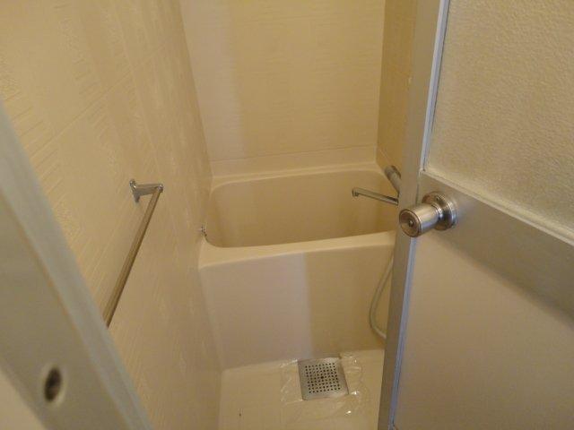 クリスタルハイツⅠ 00102号室の風呂