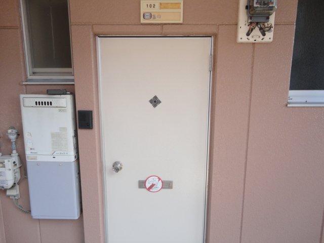 クリスタルハイツⅠ 00102号室の玄関