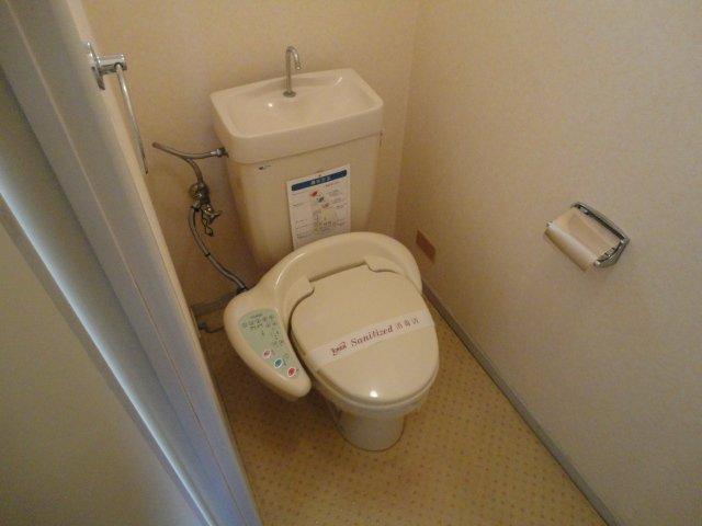 クリスタルハイツⅠ 00102号室のトイレ