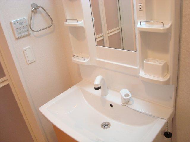 パレット小泉2 105号室の洗面所