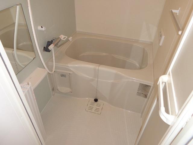 ベース新田南 00102号室の風呂