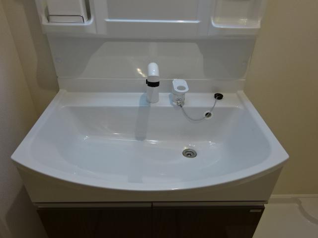 イニシオA 101号室の洗面所
