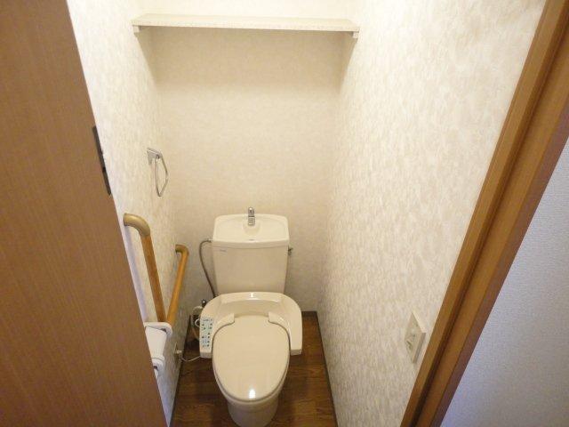 サウス・フォレストA 00103号室のトイレ