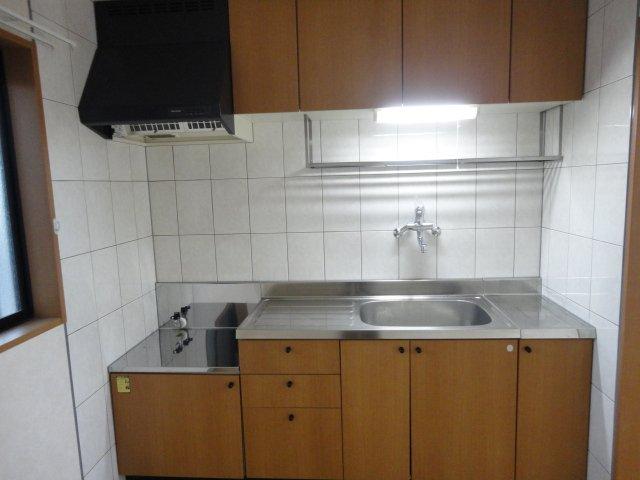 サウス・フォレストA 00103号室のキッチン