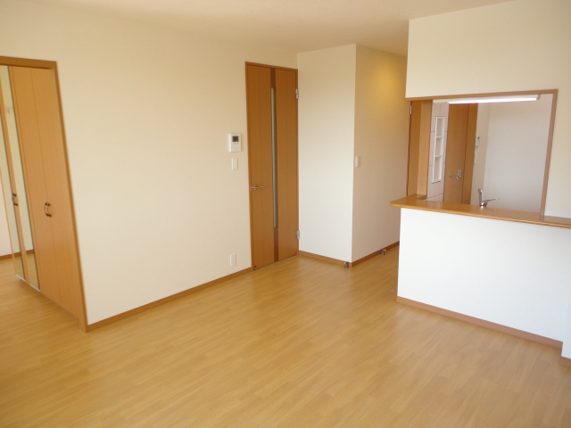 サンフィール 00205号室のリビング