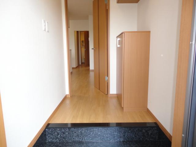 サンブレス 00101号室の玄関