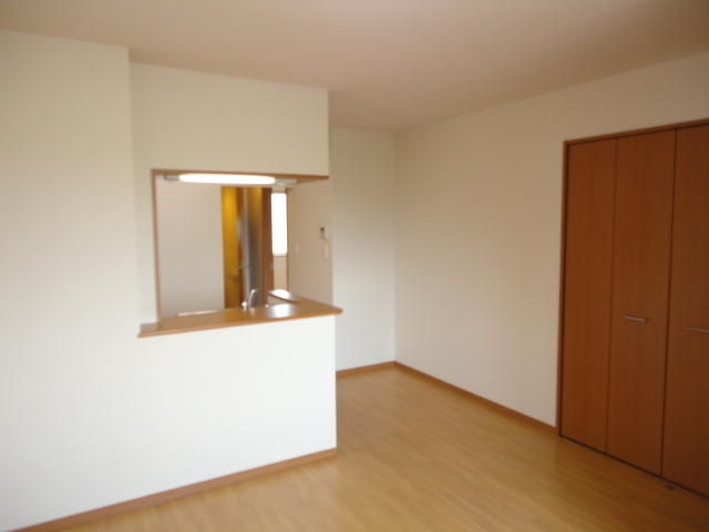サンブレス 00101号室のリビング