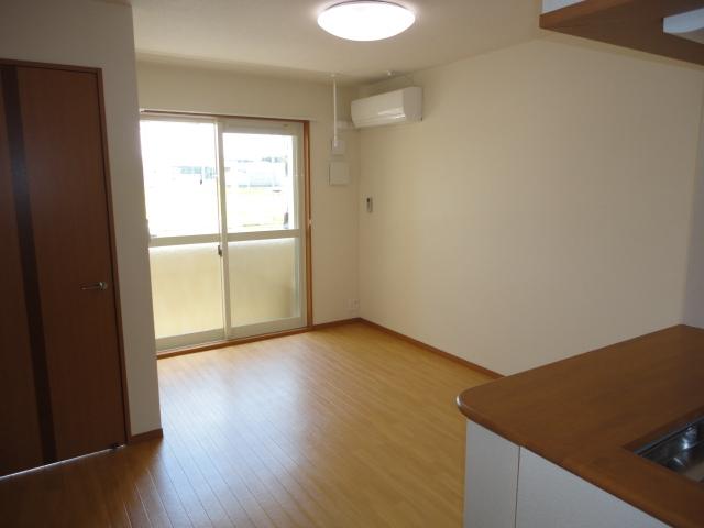 サンブレス 00101号室の居室