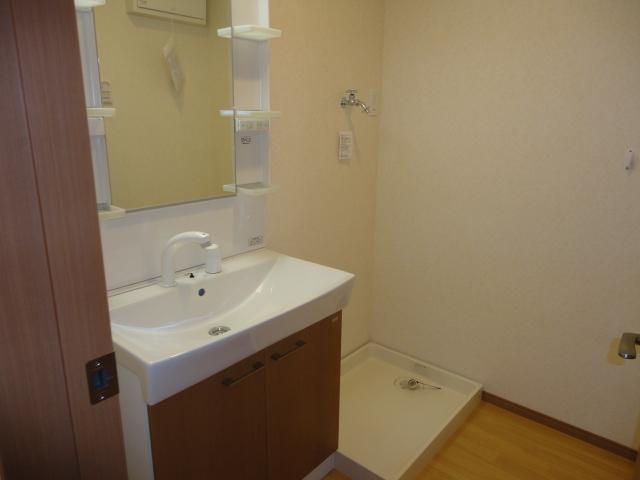 サンブレス 00101号室の洗面所
