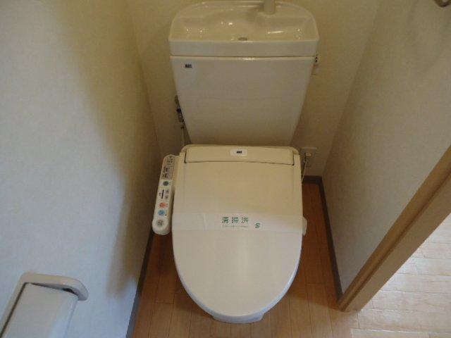 スタークレスト 203号室のトイレ
