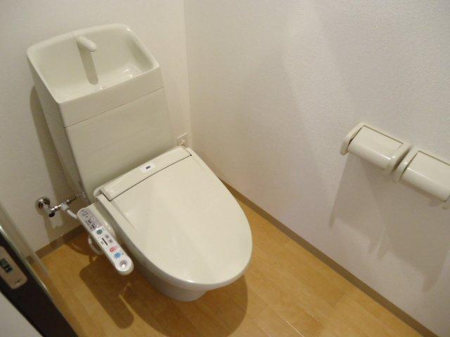 ロジェB 101号室のトイレ