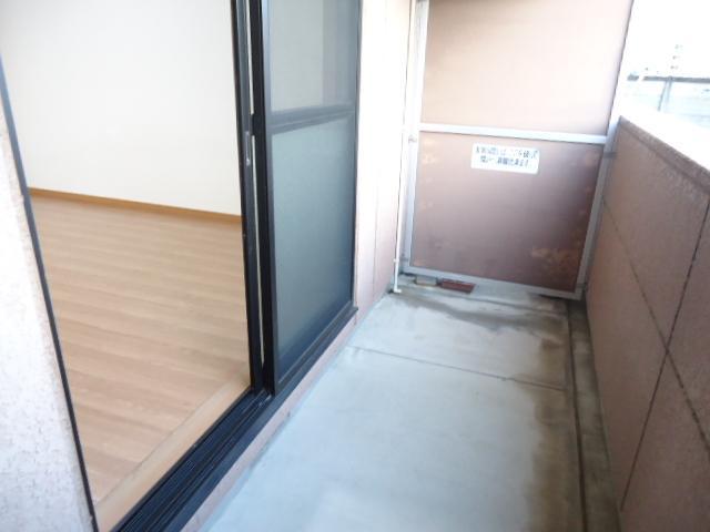 クレバー 103号室のバルコニー