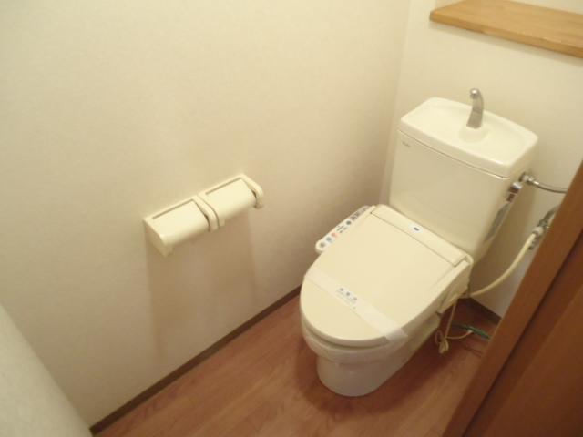 クレバー 103号室のトイレ