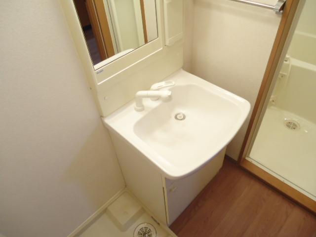 クレバー 103号室の洗面所
