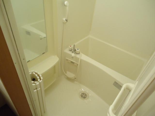 クレバー 103号室の風呂
