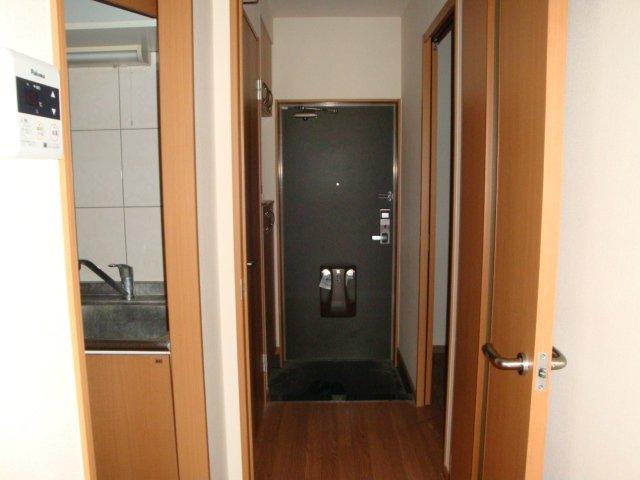エルシオンⅢ 108号室の玄関