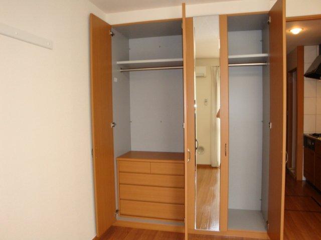 エルシオンⅢ 108号室の収納