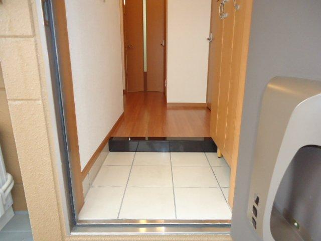 ベル・アシューレ 00102号室の玄関