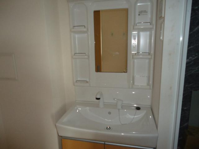 COTY 202号室の洗面所
