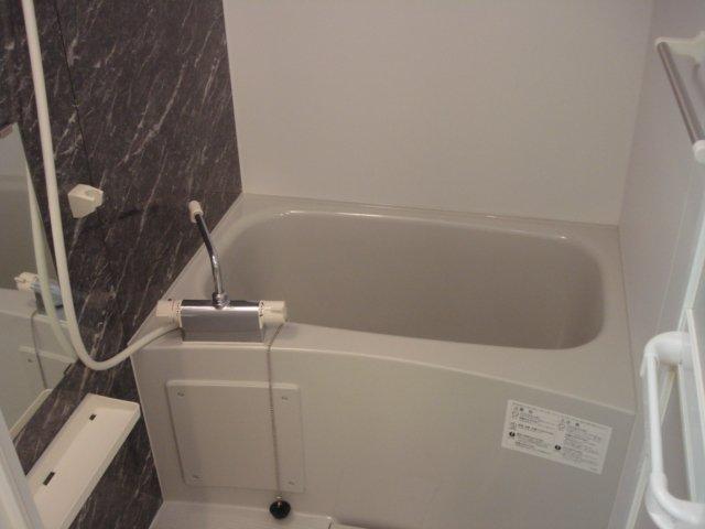 COTY 202号室の風呂