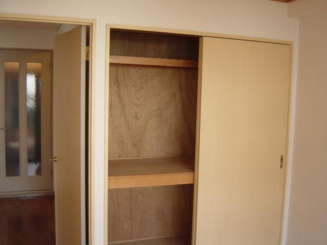 レジデンス梶ヶ谷 00202号室の収納