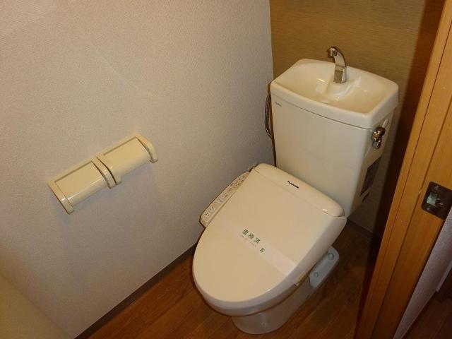 エクセルレモン 203号室のトイレ