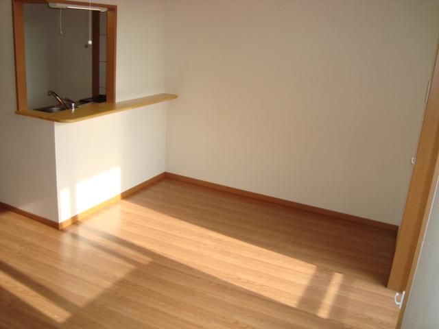 グラディオラスガーデン 00103号室のリビング