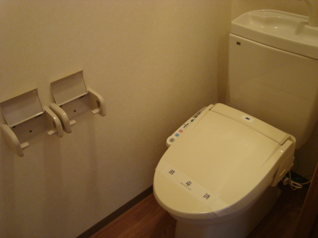 グラディオラスガーデン 00103号室のトイレ
