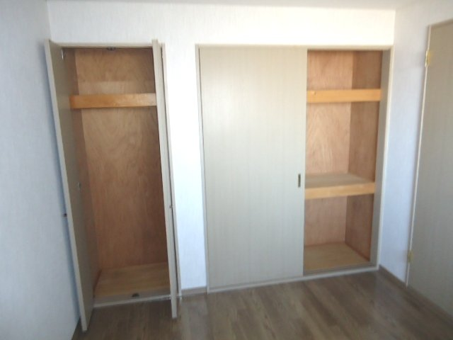 リヴィエール 305号室の収納