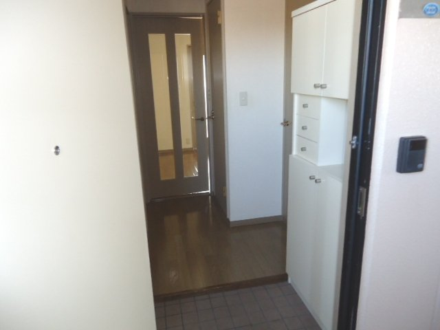 リヴィエール 305号室の玄関