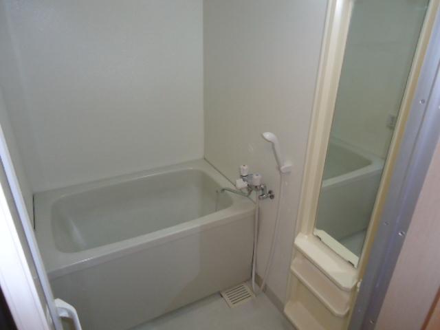 リヴィエール 201号室の風呂