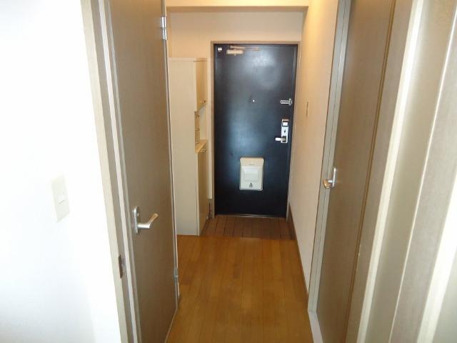 リヴィエールⅡ 00102号室の玄関