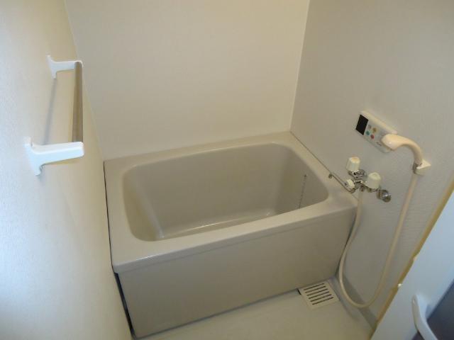 リヴィエールⅡ 00102号室の風呂