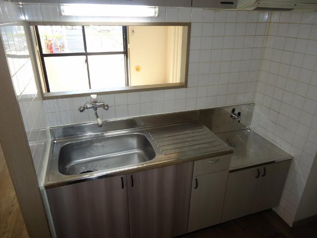 リヴィエールⅡ 00102号室のキッチン
