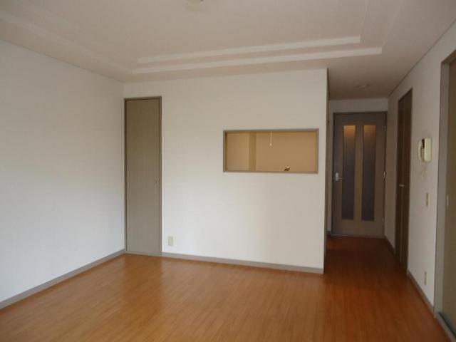 リヴィエールⅡ 00105号室のリビング