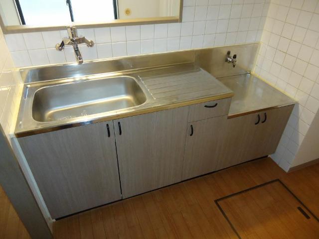 リヴィエールⅡ 00105号室のキッチン