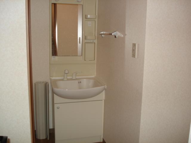 プレッソリーバ 101号室の洗面所