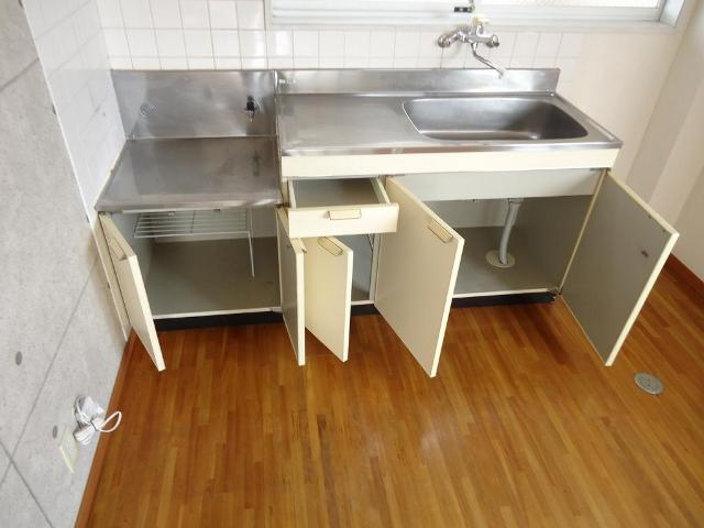 グリーンハイツ 201号室のキッチン