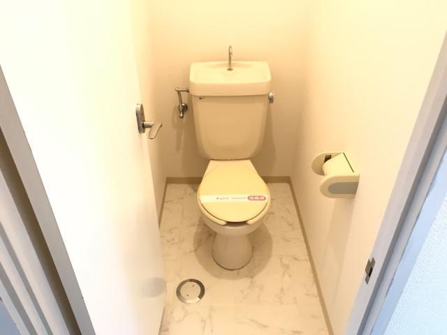 メゾンエスポワール 201号室のトイレ