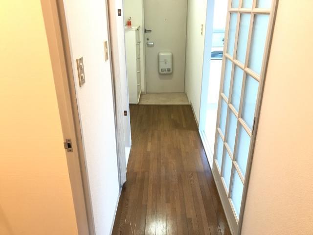 メゾンエスポワール 201号室の玄関