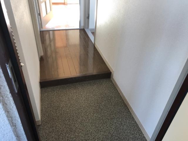 アストラル2 305号室の玄関