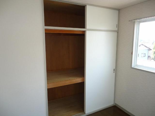 プルミエール 00311号室の収納