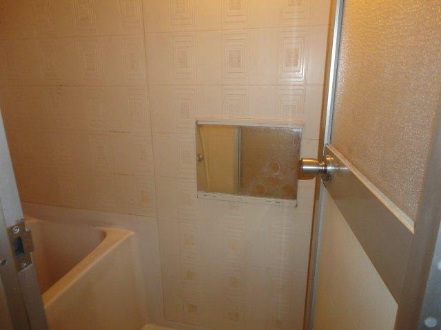 美春マンション 00301号室の風呂